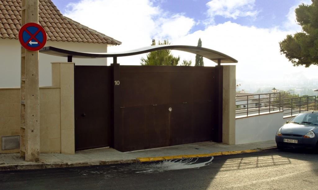 Villa-Arito-Entry-Fence_Sitges-Barcelona_Guillermo-Carone_03