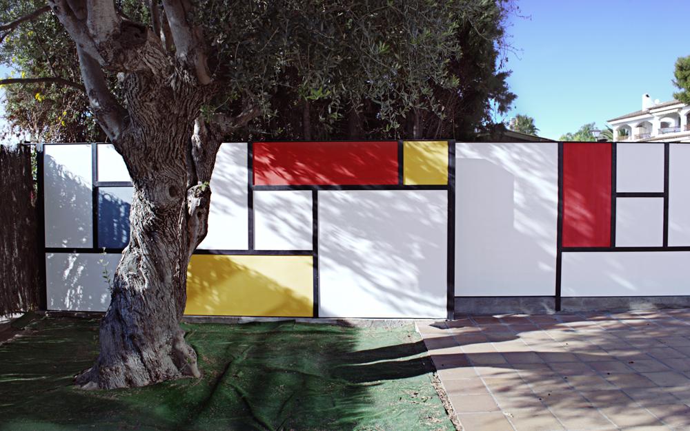 Mondrian-Fence-Villa-Arito_Sitges-Barcelona_Guillermo-Carone_05